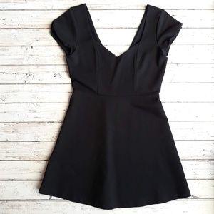 Sweetheart Neck Capped Sleeve Black Mini Dress 4